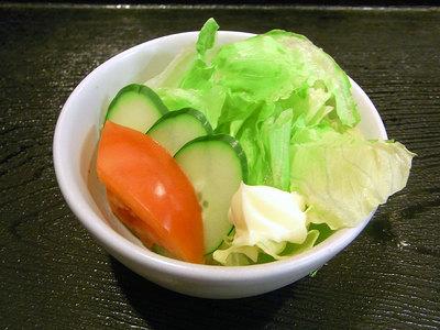 定食の小鉢のサラダ