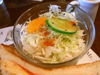 小皿のサラダ