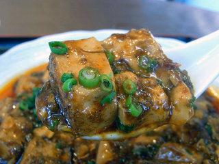 辛い麻婆豆腐はゴハンが進みます