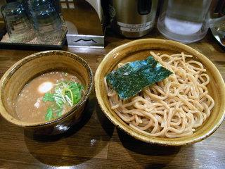 ベジポタつけ麺の極太胚芽麺、大盛り1.5倍
