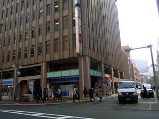 博多駅筑紫口から近いオフィスビルの地下にお店がありました