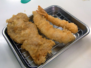 豚肉、白身の魚、海老の天ぷらです