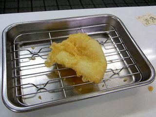 やわらかいイカの天ぷらです