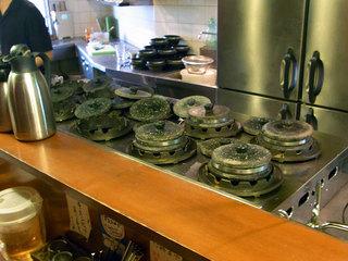 石鍋を温めるところ