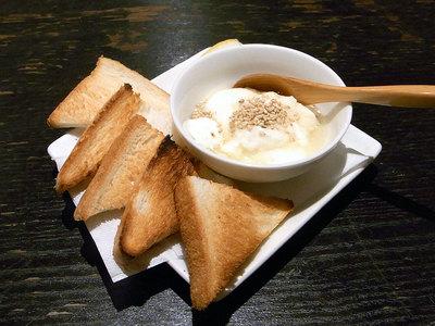 チーズ豆腐onハチミツ