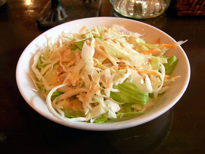 野菜サラダはキャベツとレタスでした