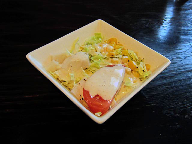 食感が楽しいカマボコ入りサラダ