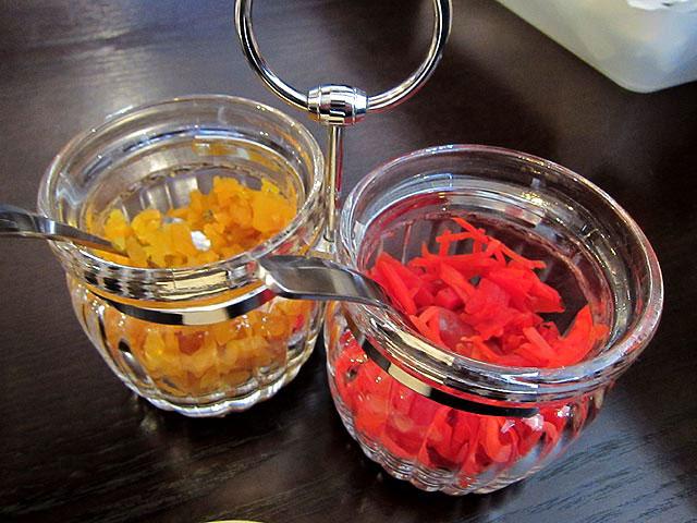 漬け物と紅生姜