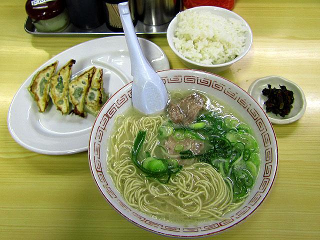 ラーメン+ランチAセット700円